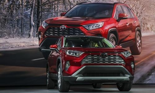 Các mẫu xe như RAV4 đang giúp Toyota lập kỷ lục doanh số tại Mỹ. Ảnh: AFP