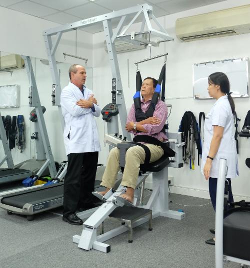Tham gia chương trình phục hồi chức năng sau đột quỵ (tai biến mạch máu não) càng sớm càng có lợi cho bệnh nhân.