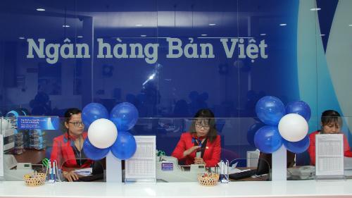 Bản Việt dành nhiều ưu đãi cho khách hàng cá nhân và khách giao dịch tiền gởi tiết kiệm lần đầu, từ 6/7 đến 21/9. Thông tin chi tiết liên hệ với các chi nhánh, văn phòng giao dịch gần nhất, hotline1900555596 hoặc truy cập tại đây.