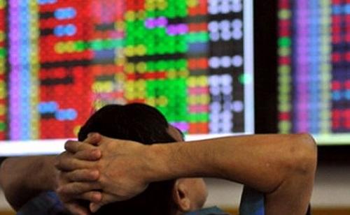 Từ nhà đầu tư cá nhân cho đến những quỹ đầu tư lớn đều không tránh được cơn bão của thị trường chứng khoán.