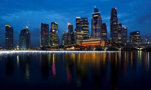Các tòa nhà chọc trời ở Singapore. Ảnh: Reuters