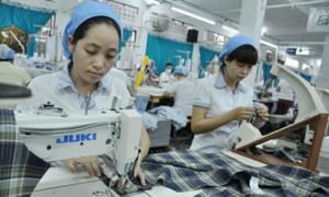 Lo hàng Trung Quốc tràn vào Việt Nam khi Mỹ-Trung đối đầu thương mại