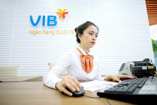 VIB đang là một trong những ngân hàng có năng suất lao động cao nhất toàn ngành, trung bình mỗi nhân viên VIB mang về hơn 230 triệu đồng lợi nhuận trước thuế cho ngân hàng trong 6 tháng đầu năm nay.