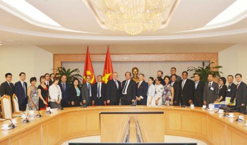 Bộ trưởng, Chủ nhiệm VPCP Mai Tiến Dũng làm việc với đoàn doanh nghiệp của Hội đồng kinh doanh Hoa Kỳ-ASEAN.