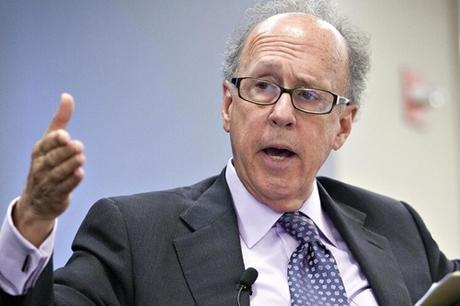 Nhà kinh tế học Stephen Roach trong một sự kiện cuối năm ngoái. Ảnh:BNT