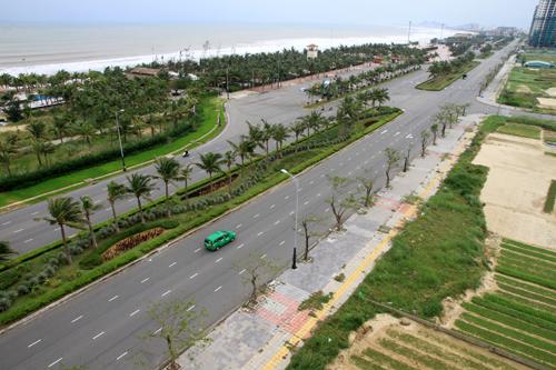 Đường Võ Nguyên Giáp cận kề bãi biển TP Đà Nẵng. Ảnh: Nguyễn Đông