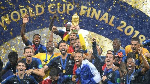 Đội tuyển Pháp nâng cúp vô địch sau 20 nămkể từ giải đấu trên sân nhà.
