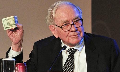 Warren Buffett đều lấy cổ phần của mình tại Berkshire Hathaway để làm từ thiện hàng năm. Ảnh: ET