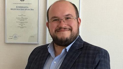 Ông Kristaps Strēlis, Giám đốc điều hành Amber Capital Holding, tập đoàn chuyên tư vấn đầu tư và đang quản lý danh mục tài sản khá lớn ở các quốc gia châu Âu.