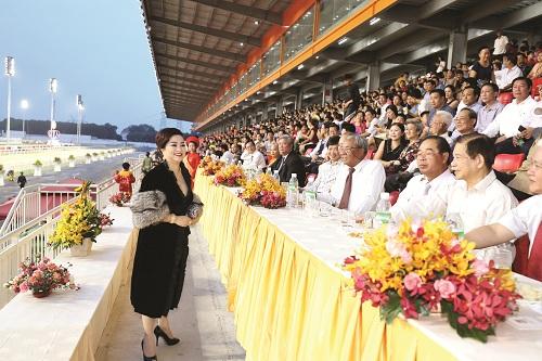Nữ doanh nhân Nguyễn Phương Hằng.