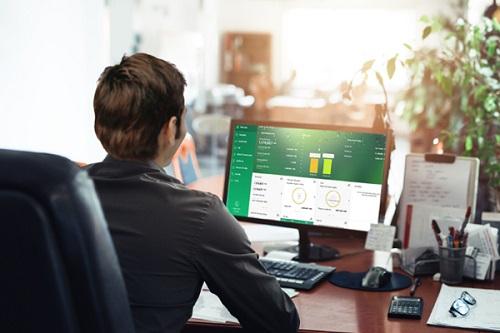 OCB triển khai dịch vụ ngân hàng hợp kênh từ tháng 3/2018 với tính năng đồng bộ mọi giao dịch của khách hàng ở các kênh khác nhau.
