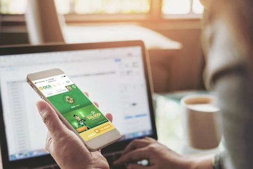 Ứng dụng OCB Omni Ngoài ra, mô hình này còn có thể mở rộng sang nhiều giao thức kết nối khác mà không chỉ bó buộc trong phạm vi ngân hàng như các nền tảng mạng xã hội, đối tác liên kết& Người dùng có thể nhận mã giảm giá đến 50% tại các nhà hàng hay đặt vé xem phim, mua sắm trực tuyến... ngay trên ứng dụng ngân hàng.