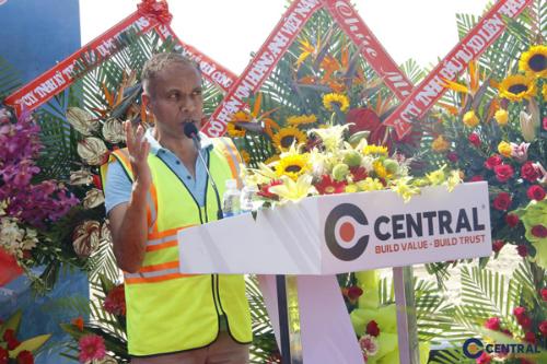 Ông Hemant Patel - Tổng giám đốc Alma - phát biểu tại buổi lễ khởi công dự án Alma Resort Cam Ranh.