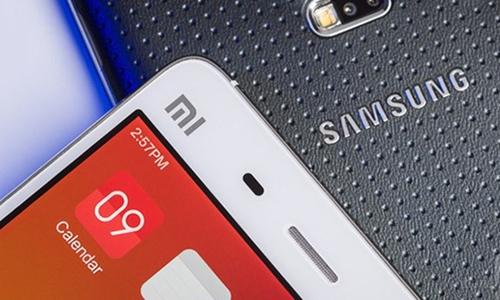 Hai mẫu điện thoại của Samsung vàXiaomi. Ảnh: Xiaomi Today