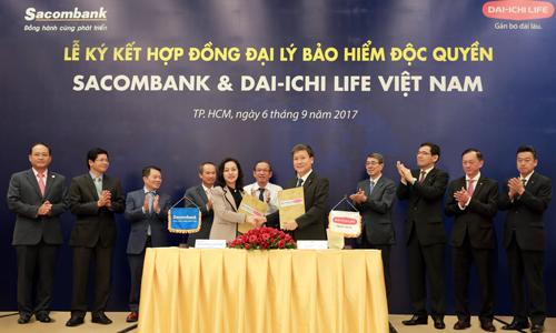 Lễ ký hợp đồng đại lý bảo hiểm độc quyền giữa Sacombank và Dai-ichi Life Việt Nam cách đây gần một năm.
