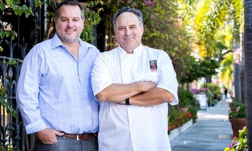 Hai đồng sáng lập Chefs Cut Real Jerky - Dennis Riedel (trái) và Blair Swiler. Ảnh:Chefs Cut Real Jerky