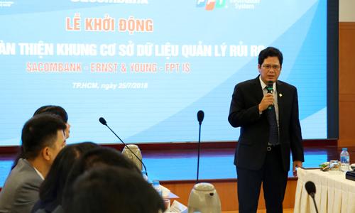 Ông Lê Văn Ron - Phó tổng giám đốc Sacombank
