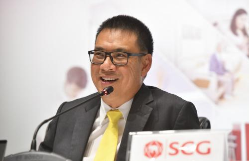 Ông Roongrote Rangsiyopash -Chủ tịch kiêm Tổng Giám đốc điều hành của SCG tại buổi công bố kết quả kinh doanh quý II và nửa đầu năm.