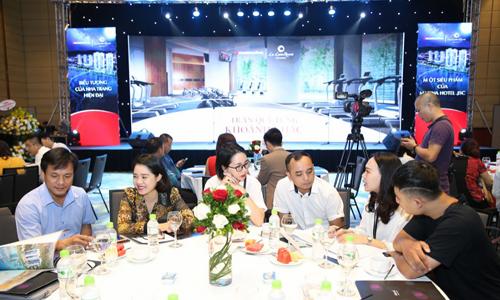Condotel phong cách Thụy Sỹ ra mắt giới đầu tư Hà Nội