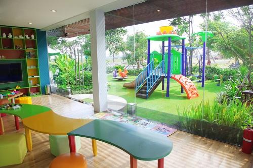 Mỗi phân khu còn có khu vực vui chơi dành riêng cho trẻ em tạo điều kiện để các em phát triển toàn diện về thể chất và tinh thần trong không gian an ninh biệt lập.