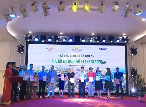 Dự án Bách Việt Lake Gardenbàn giao sổ đỏ đợt 3 cho cư dân.Thông tin chi tiết liên hệ hotline: 0902 280 283.