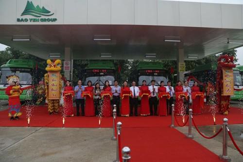 Lễ cắt băngkhai trương tuyến buýt CNG đầu tiên của Hà Nội.