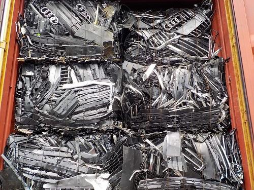 container phế liệu tồn đọng tại các cảng