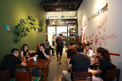 Không gian ấn tượng của café Cộng đầu tiên tại thành phố Thái Nguyên thu hút các bạn trẻ.
