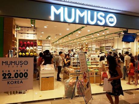 Một cửa hàng thuộc chuỗi Mumuso tại TP HCM.