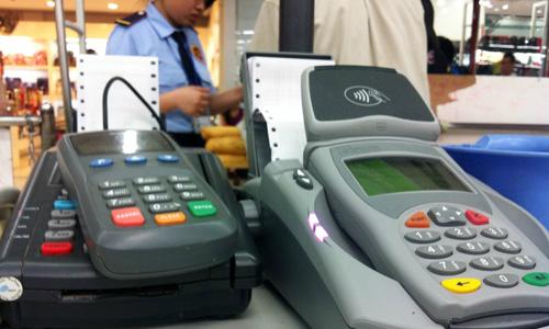 Du khách tới Việt Nam quẹt thẻ 'chui', tiền về Trung Quốc