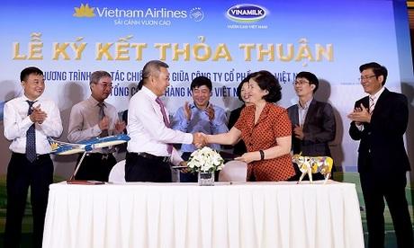 Đại diện Vietnam Airlines và Vinamilk đánh giá sự liên kết này không chỉ giúp hai đơn vị trong việc phát triển thương mại mà còn nâng tầm quốc tế của cả hai thương hiệu.