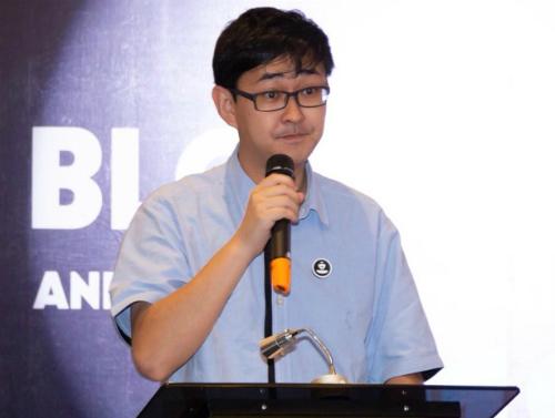 Ông Stewie Zhu, CEO của DCC phát biểu trong sự kiện tại TP HCM