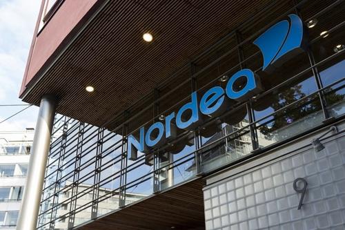 Bên ngoài một chi nhánh của ngân hàng Nordea (Thụy Điển). Ảnh: Reuters