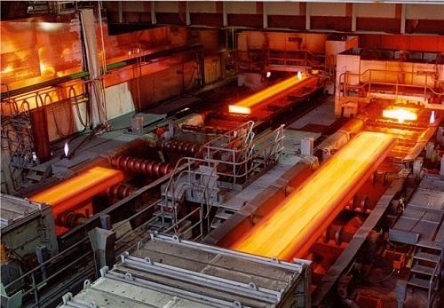 Dây chuyền sản xuất thép tại một nhà máy tại TP HCM.