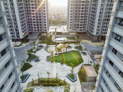 Khu sinh hoạt cộng đồng, quảng trường, cây xanh ngập tràn sẽ mang tới cuộc sống xanh. Chi tiết liên hệ hotline: 0972 481 136.