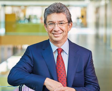 Ông André Calantzopoulos - Giám đốc điều hành Philip Morris