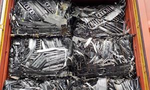 Công ty nhựa lo lỗ 10 triệu USD vì 5.000 container phế liệu 'tắc' ở cảng