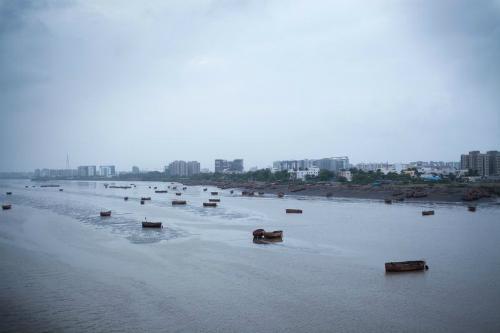 Thành phố Surat, bang Gujarat là thành phố cảng biển, trung tâm kim cương và tâm chấn vụ lừa đảo tiền ảo và bắt cóc chấn động của Ấn Độ. Ảnh: Bloomberg