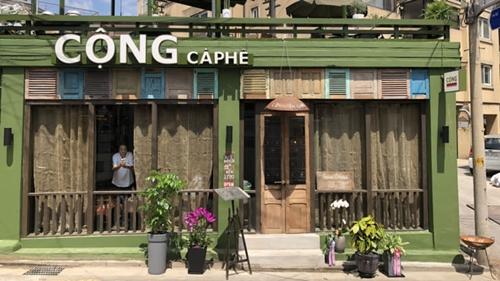Một cửa hàng của Cộng Cà Phêtại Việt Nam. Ảnh: Nikkei