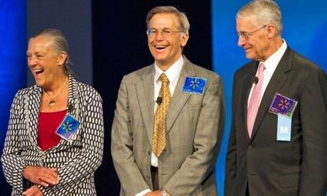 Alice, Jim và Rob Walton là ba thành viên trong gia đình sở hữu Walmart. Ảnh: Walmart