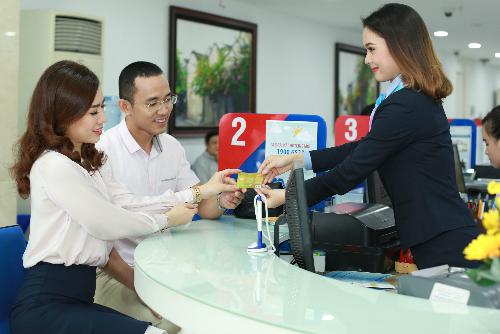 SCB triển khai QR Easy cho thẻ thanh toán, thẻ tín dụng MasterCard và Visa. Thông tin chi tiết: hotline 1900 6538 hoặc đến điểm giao dịch SCB gần nhất.