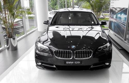Euro Auto nhập khẩu và phân phối xe BMW tại Việt Nam trước năm 2018.