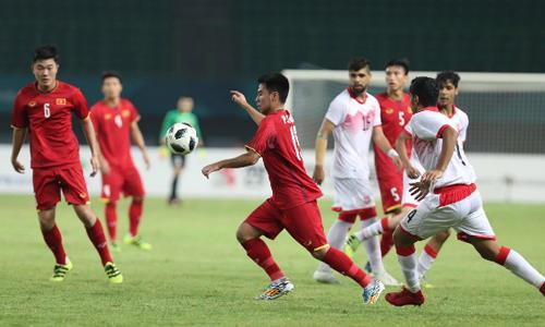 Trận đấu giữa Olympic Việt Nam và Bahrain tối 23/8. Ảnh: Đức Đồng