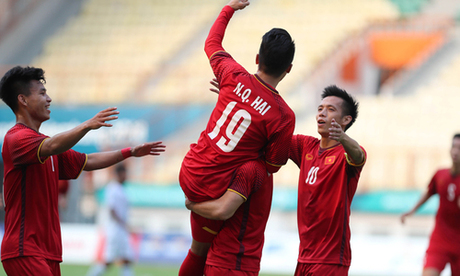 Cầu thủ Olympic Việt Nam ăn mừng bàn thắng ở trận ra quân ASIAD 2018. Ảnh: Đức Đồng.