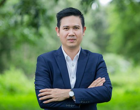 Ông Phạm Văn Tam - Sáng lập, Chủ tịch HĐQT Tập đoàn công nghệ Asanzo sẽ tham gia chia sẻ và giải đáp thắc mắc về khó khăn, thách thức của startup trong buổi phỏng vấn trực tuyến trên VnExpress vào 15h ngày 28/8