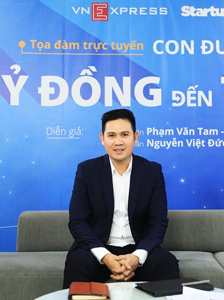 Ông Phạm Văn Tam - Chủ tịch HĐQT Tập đoàn công nghệ Asanzo. Ảnh: Hữu Khoa.