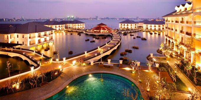 Khách sạn Intercontinental tại Hồ Tây, Hà Nội.