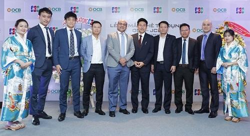 Đại diện lãnh đạo OCB và JCB chụp hình lưu niệm tại buổi lễ