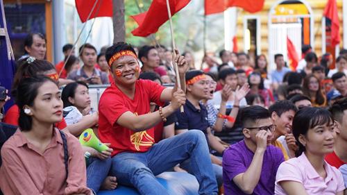 PHGLock tặng vé xem chung kết Asiad 18 nếu Việt Nam chiến thắng Hàn Quốc. Ảnh: Phạm Nguyễn.