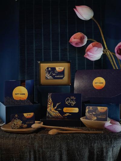 Bộ quà tặng thẻ VinID Gift Card được thiết kế sang trọng.